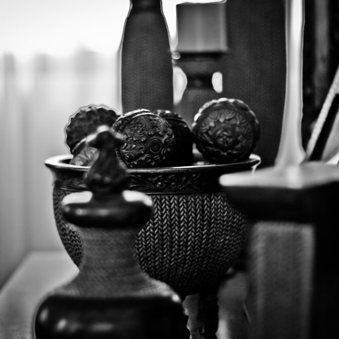 antiques-black-and-white-blur-667923